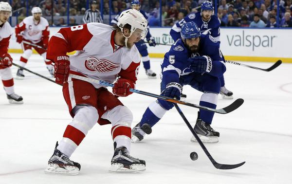 Detroit+Red+Wings+v+Tampa+Bay+Lightning+Game+MzObu7Auitpl